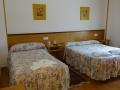 Habitación con cama de 135x190 y 0,90x190